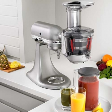 3 reasons why you should have a juicer in your home