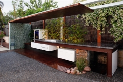 Design an amazing outdoor kitchen for fun nights with the family