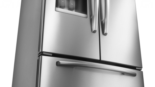 3 Essential Things to Consider When Shopping for a New Refrigerator