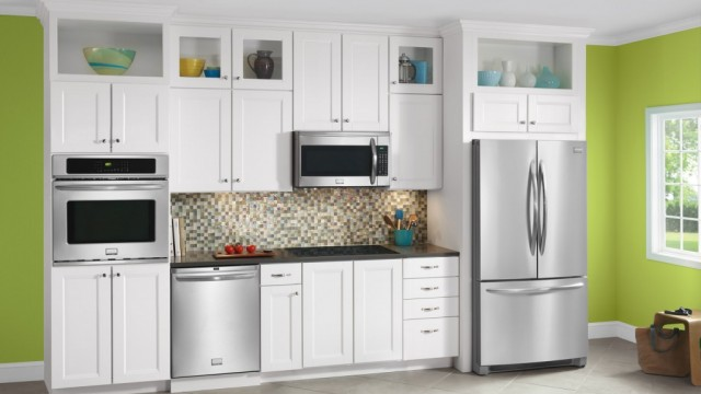 Pros and Cons of Over the Range Microwave Ovens