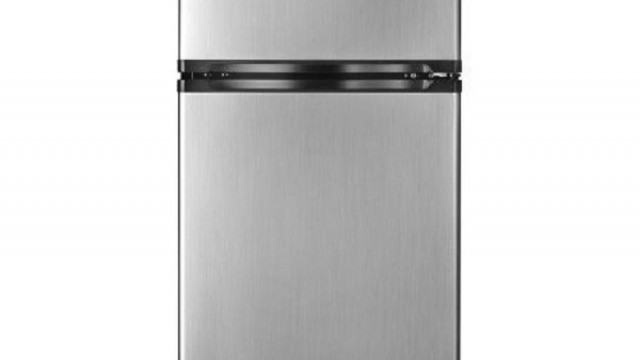 Which Type of Refrigerator is Best Suited for a Small Kitchen?