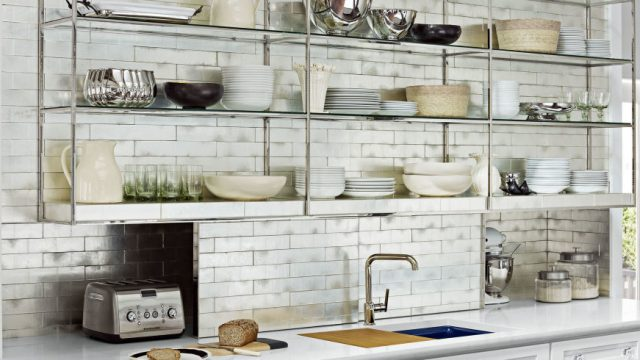 Open shelving in the kitchen – why does it work?