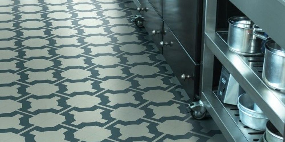 Cleaning your vinyl kitchen floor properly – advice from the experts