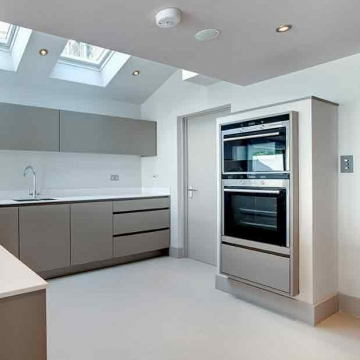 4 Things to Consider when Buying a New Oven Picture