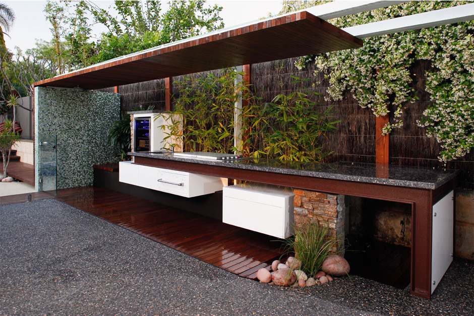 East Village Kitchen & Design an amazing outdoor kitchen for fun nights with the family